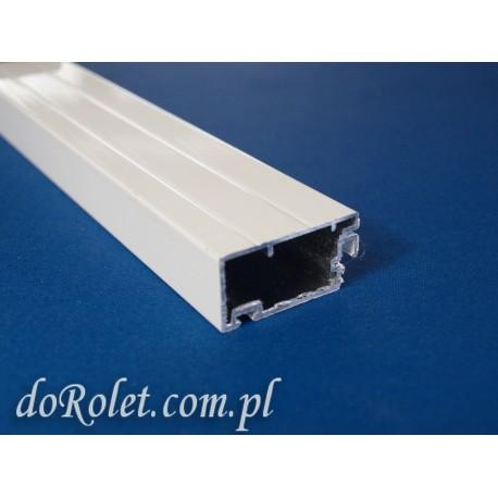 Profil aluminiowy do moskitier drzwiowych. Kolor biały